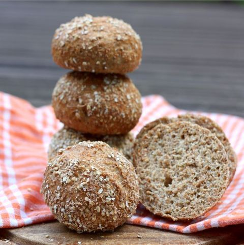 Diese Brotchen Sind Nicht Nur Lecker Sie Konnen Auch Beim Abnehmen Helfen Lecker Gesundes Brot Backen Und Wolkchen Backerei