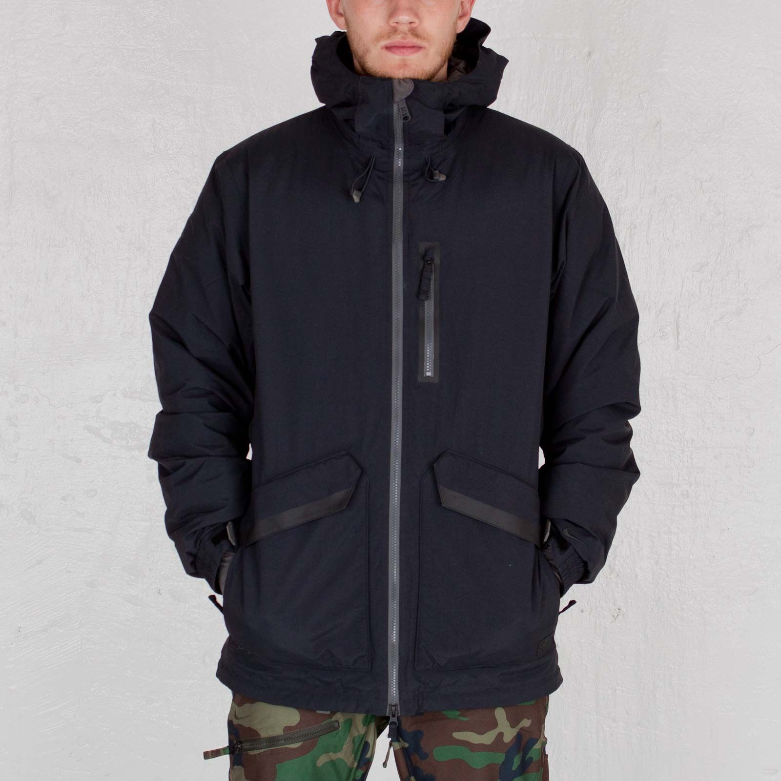 Nike Gore Down Jacket | Jackets, Outdoor outfit, Streetwear