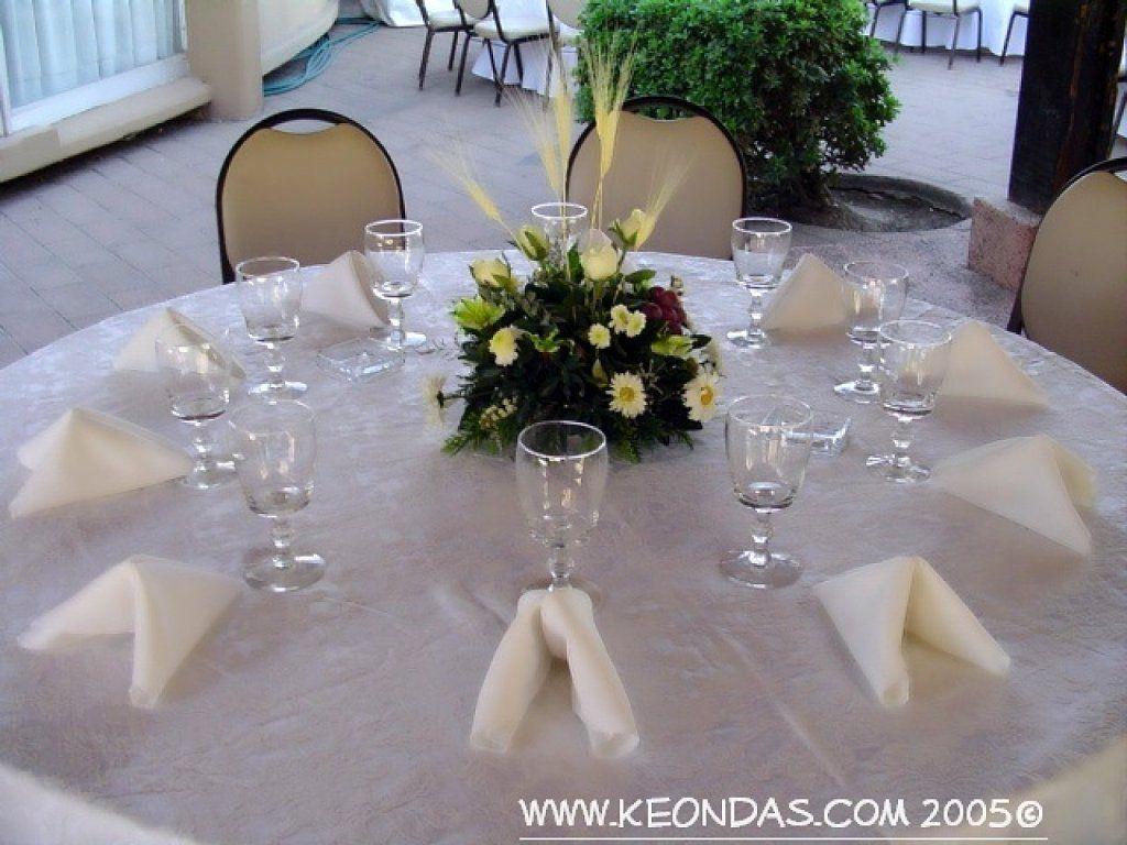 Decorar mesa para primera comuni n decorando mesas - Decoracion comunion en casa ...