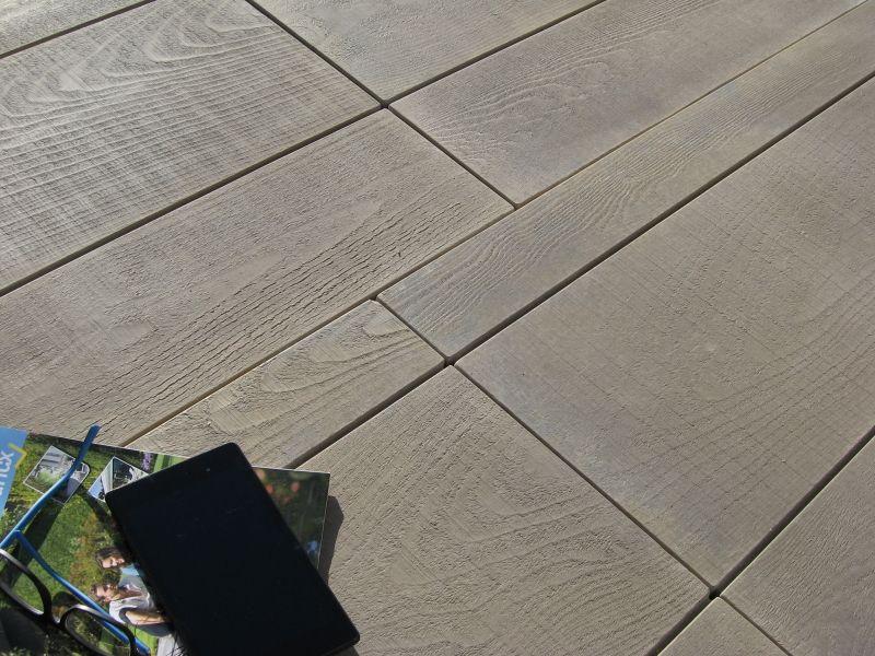 Dalle aspect bois scié Madria en pierre reconstituée - Marlux France - pose carrelage terrasse sur dalle beton