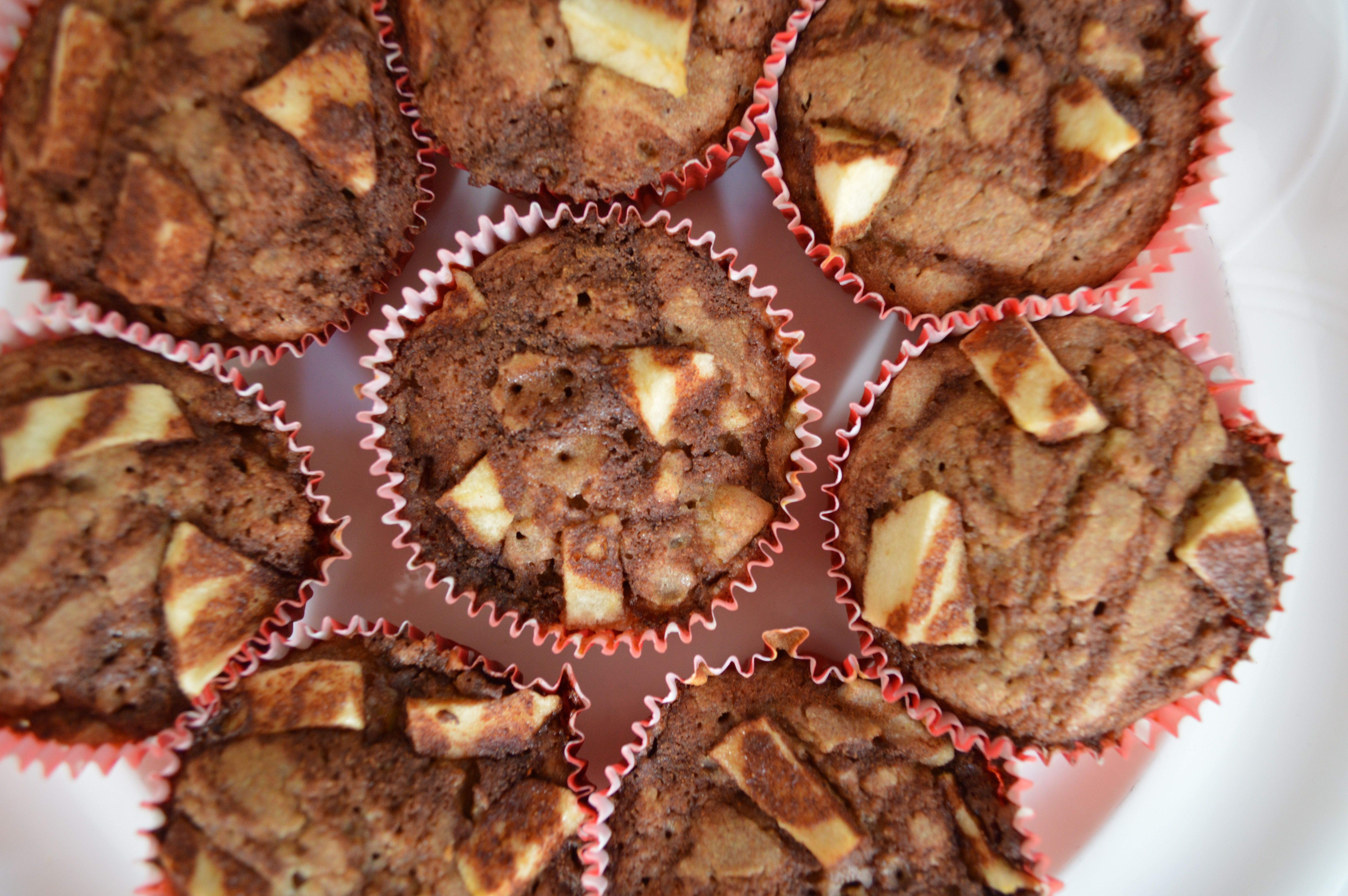 Apples + cinnamon is a great combination, so I decided to make muffins using these 2 ingredients!  Apples are rich in antioxidants + cinnamon is thought to be one of the healthiest spices on the planet; it is rich in antioxidants, helps with digestion, + has a positive impact on blood sugar levels.