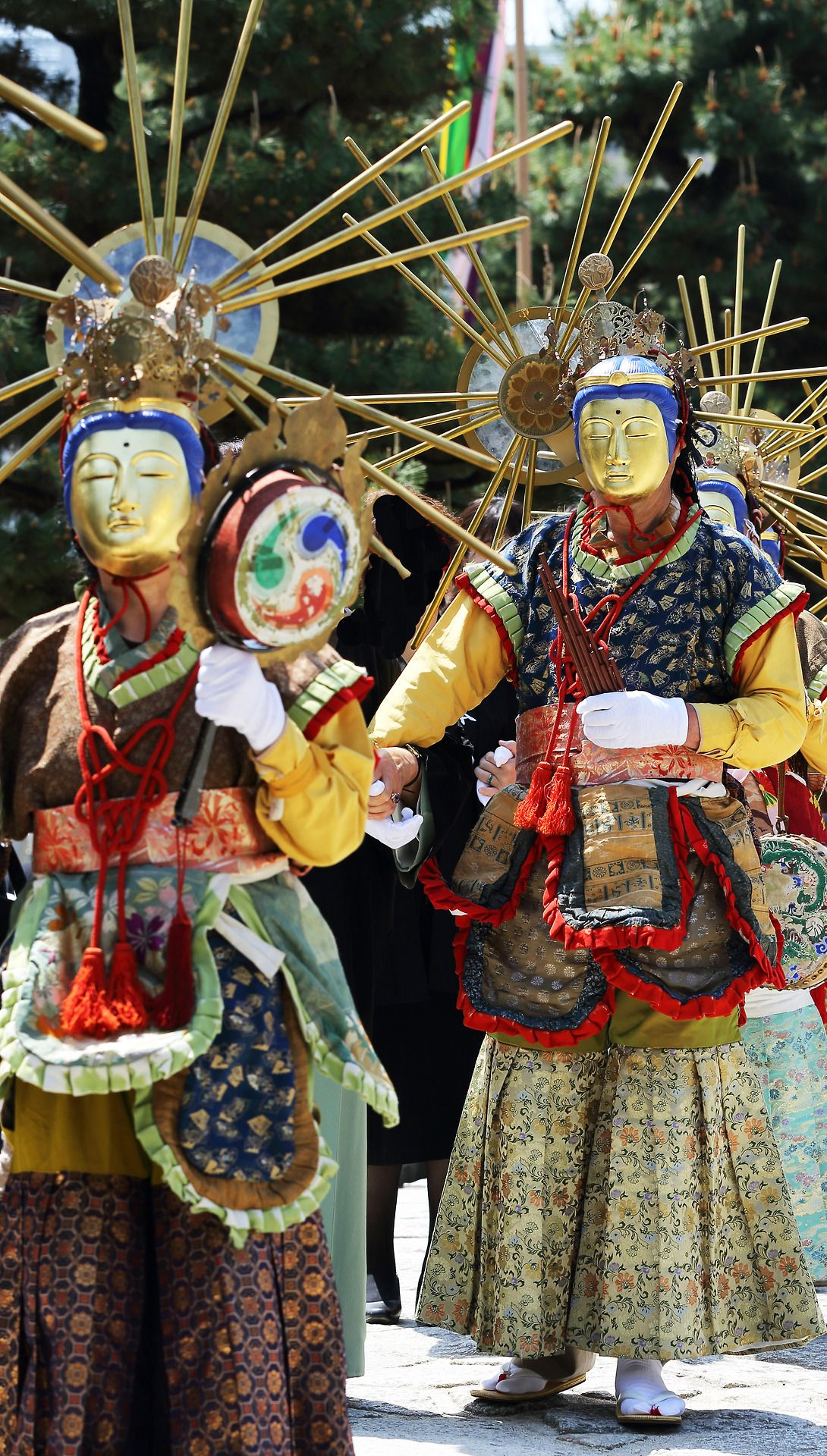 Festival at Hyaku-manbenChionjiTemple, Kyoto. Apr 25, 2013.  Photography by Teruhide Tomori of Flickr