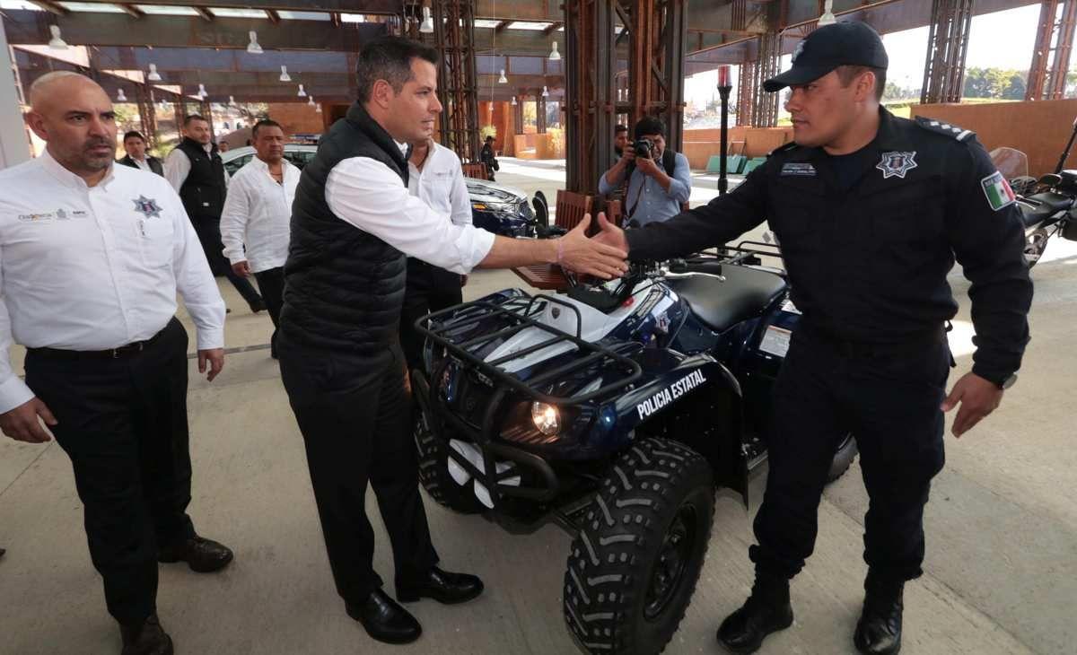 En el marco del Día del Policía, el Gobernador Alejandro Murat ...
