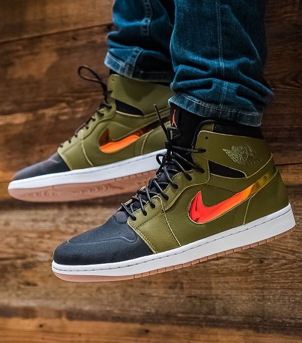 """a7bbefb32165 I m totally in love with those Nike Air Jordan 1 High Nouveau """"Militia Green""""  ♥ (+ super comfortable)"""