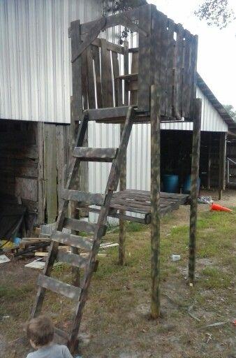 pallet deer stand | Deer stand, Hunting blinds, Deer hunting