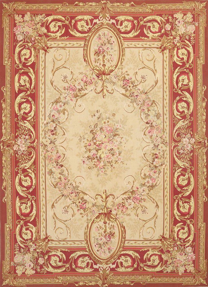 Großer Aubusson-Teppich Wolle in unterschiedlichen Creme-, Rot- und Rosétönen, gewebt. Im Spiegel