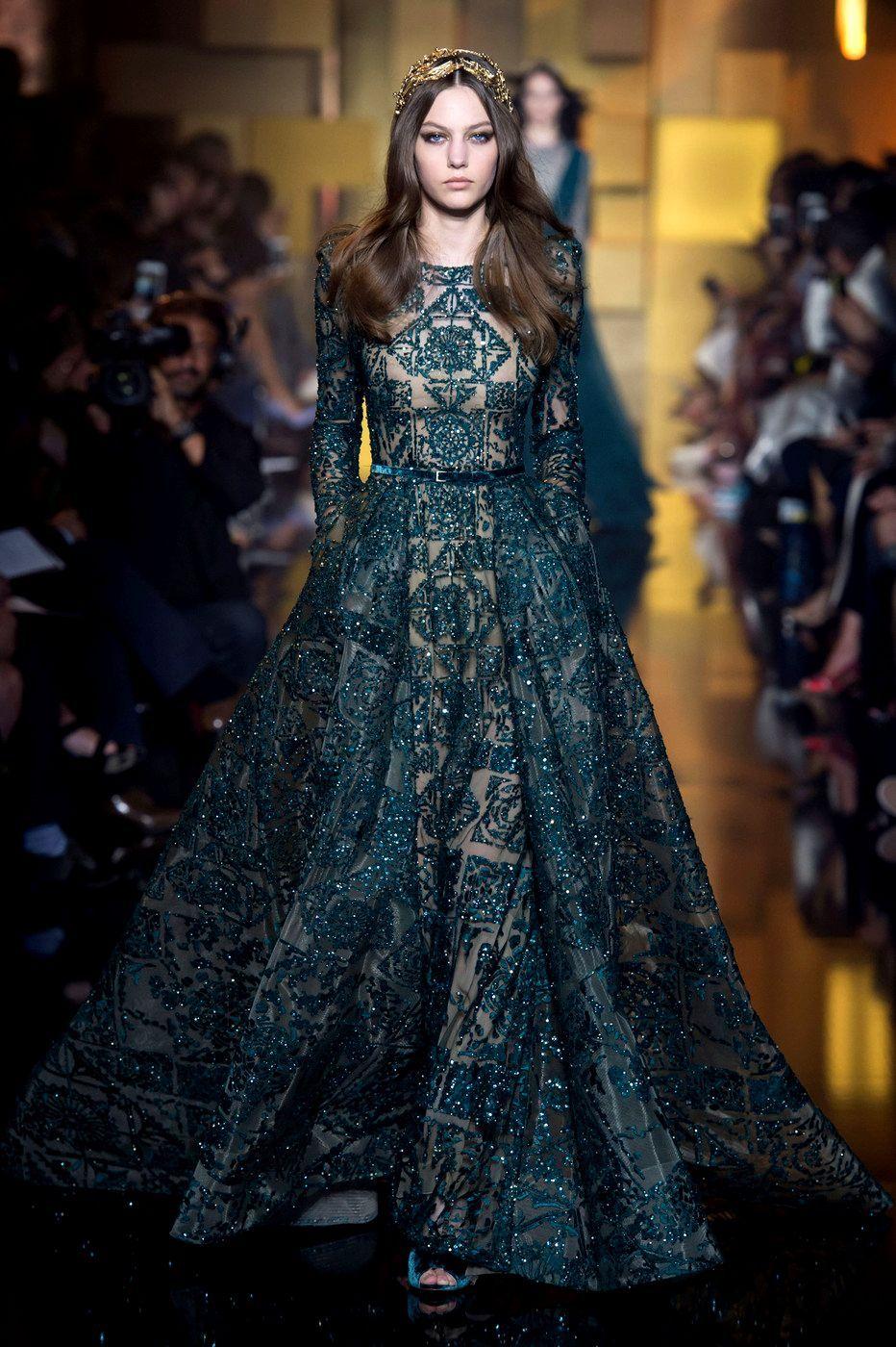 c2745acc0d Pin by Eirini Bousi on GREEN   PRINTED DRESSES