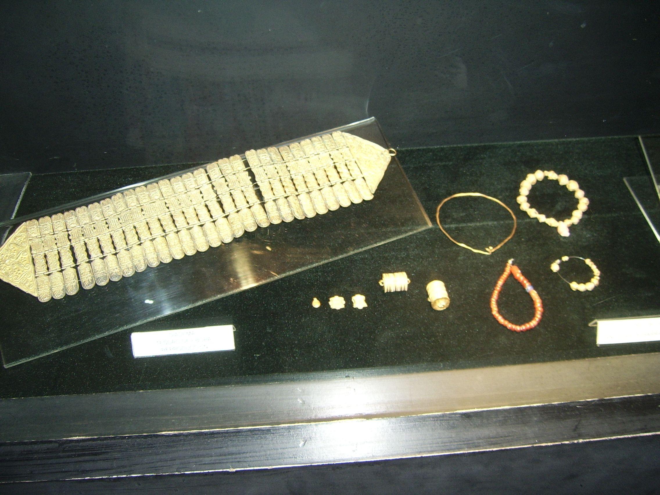 Tesoro De Bora Sanlucar De Barrameda Tartessos Arqueolog A  # Saqqara Muebles Y Decoracion