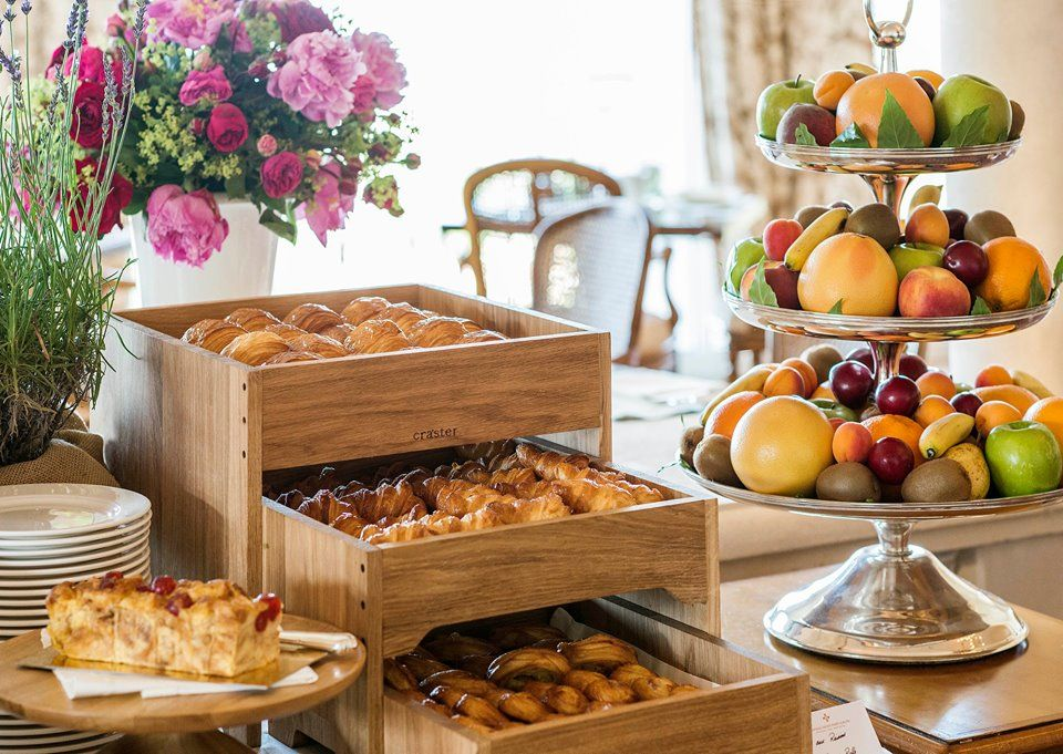 Breakfast buffet box Breakfast buffet table, Breakfast