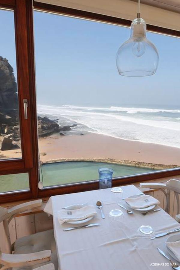 Aproveitando que os dias estão a aquecer, a costa de Portugal tem ótimos restaurantes com vista mar. Aprecie! #viaverde #viagensevantagens #Portugal #costa #gastronomia #praia