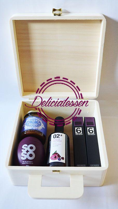 regalos originales, pack de regalo morado  www.deliciatessen.es