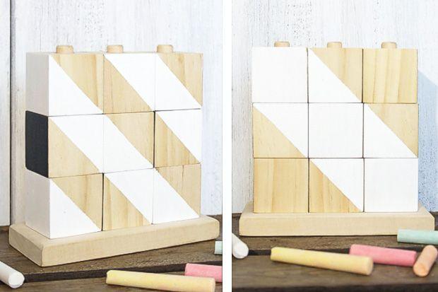 Aus alt mach neu! Wie dieses schöne Holzwürfel-Steckspiel. Viele Ideen zum Selbermachen und für das Basteln mit Kindern gibt es im Familienmagazin HIMBEER.
