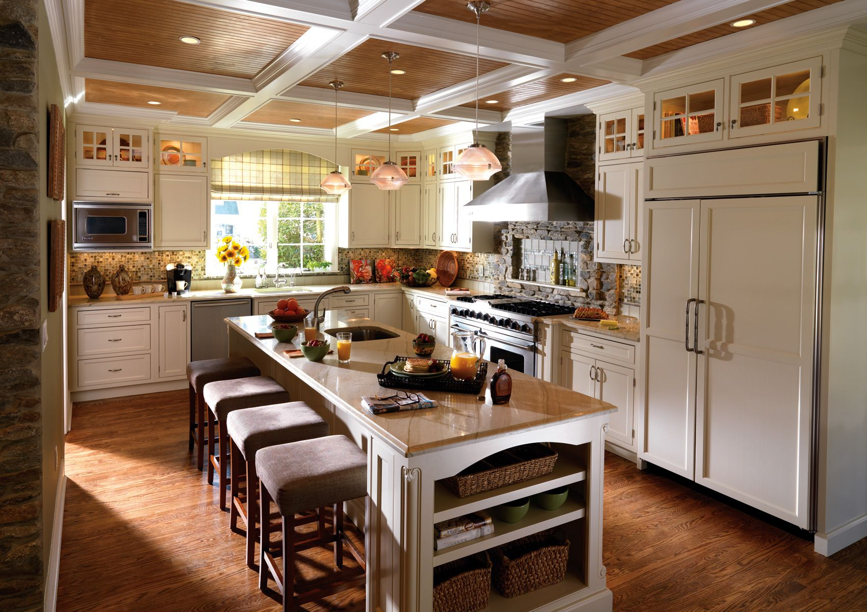 It Is Easy To Love The Natural Elements Of Cooling Granite And Warm Woodgrain In This Airy And Fr French Country Kitchen Cabinets Kitchen Design Fancy Kitchens