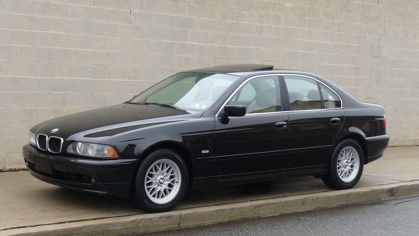 BMW 5 Series 2002 5 series bmw 2002 BMW 5-Series 525i   BMW, Luxury auto and Motor car