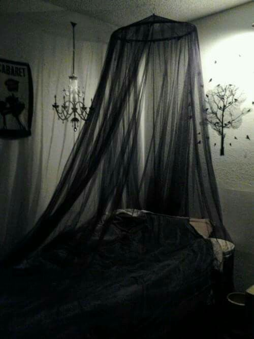 This would of been the best when i was younger and alone for Cama gotica