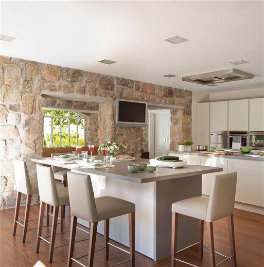 Desayuna en la cocina 10 cocinas con barra for Modelos de desayunadores