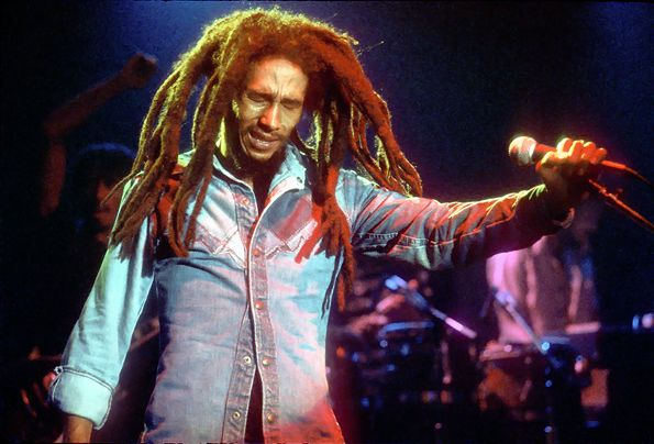 The Roxy Bob Marley performs at the Roxy Theater in Los Angeles on November 27th, 1979.    Read more: http://www.rollingstone.com/music/pictures/photos-bob-marley-20120207/the-roxy-0304639#ixzz2sbZtAOU3  Follow us: @Rolling Stone on Twitter | RollingStone on Facebook
