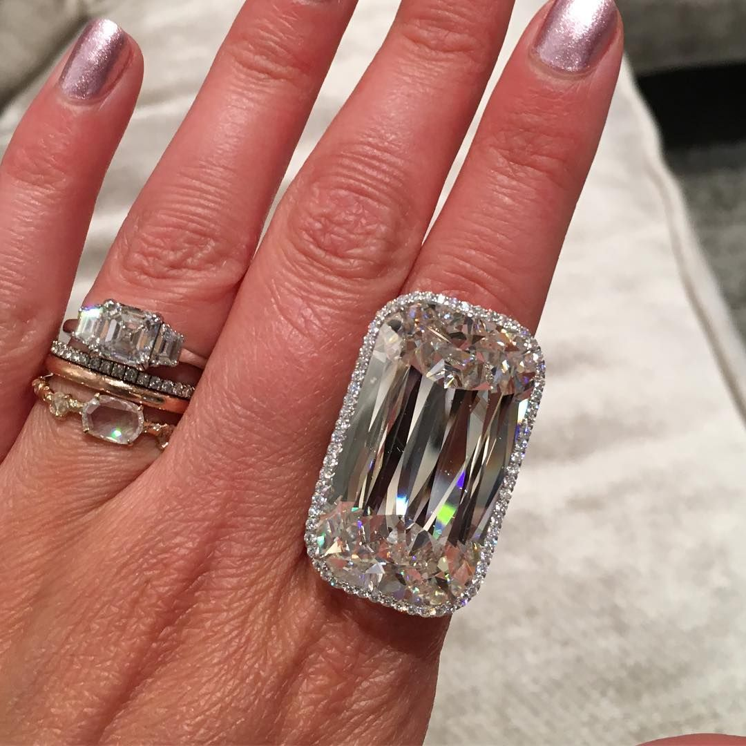 big diamond ring Big diamond rings, Big diamond, Black
