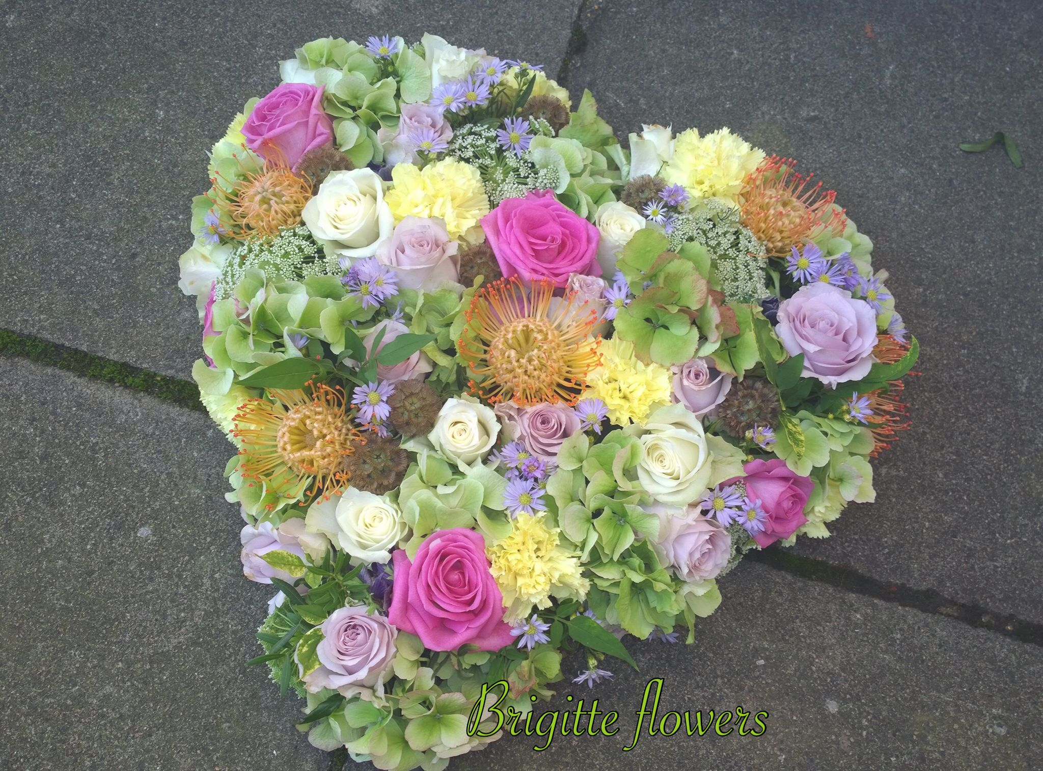 Www Brigitteflowers Co Uk We Love Flowers Flower Service Valentines Flowers Flower Arrangements