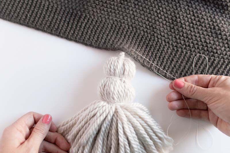 DIY Chunky Tassel Blanket – Design*Sponge   KNITTING.CROCHET.WEAVING ...