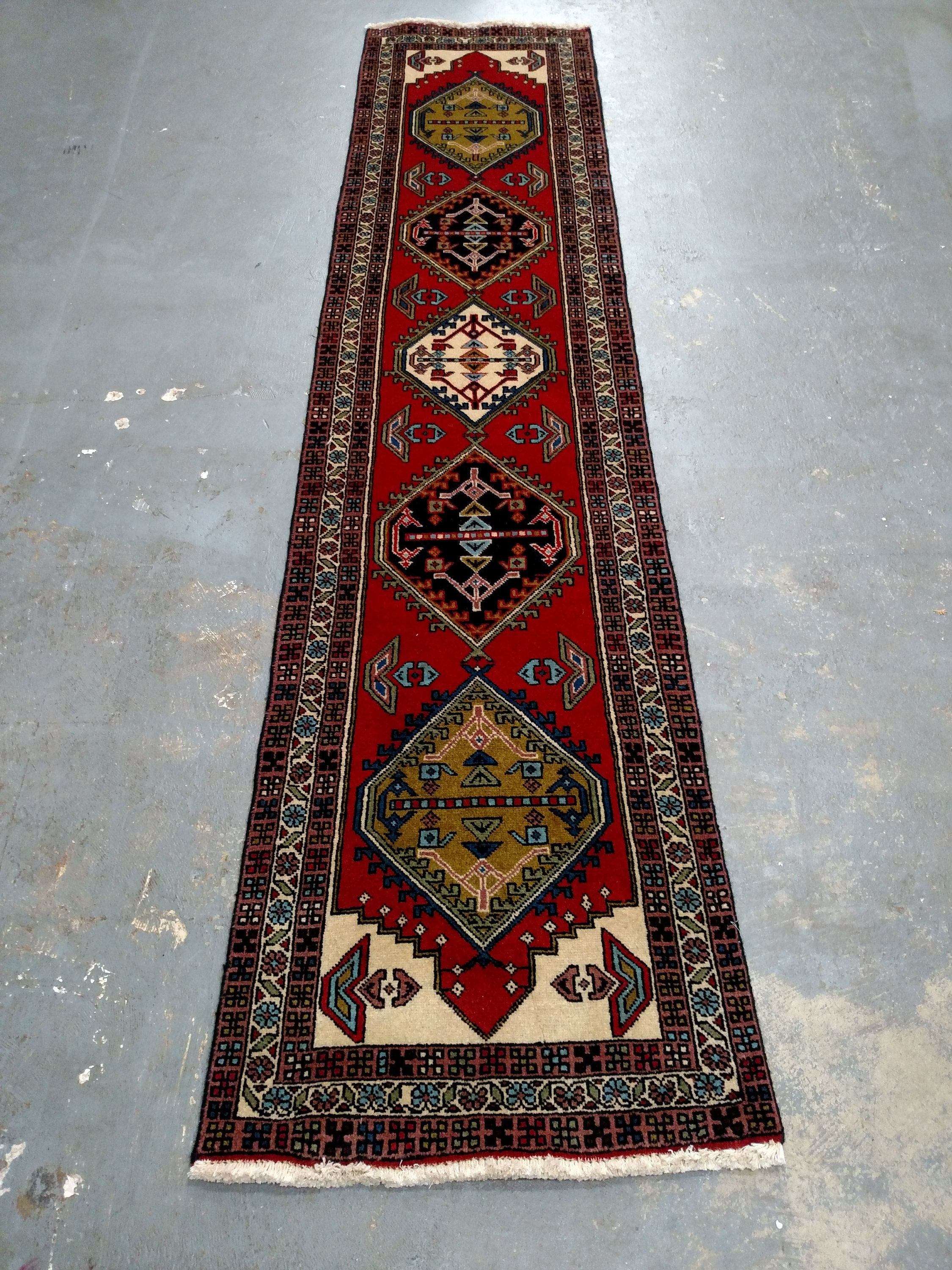 Persian Rug 1980s Hand Knotted Ardabil Runner 3633 By Jahannandsons On Etsy Persian Rug Rugs Persian