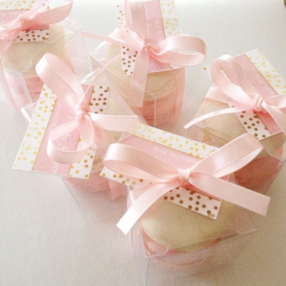 Mini favour boxes out for delivery |#mini #macarons #toocute ...