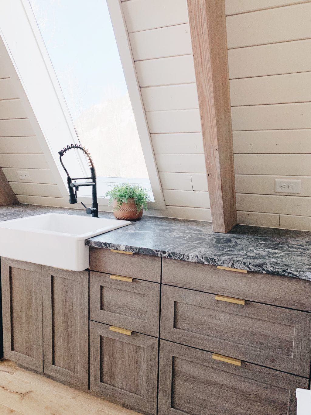A Big Semihandmade X Chris Loves Julia Cabinet Collection Giveaway Outdoor Kitchen Cabinets Handmade Cabinets White Concrete Countertops