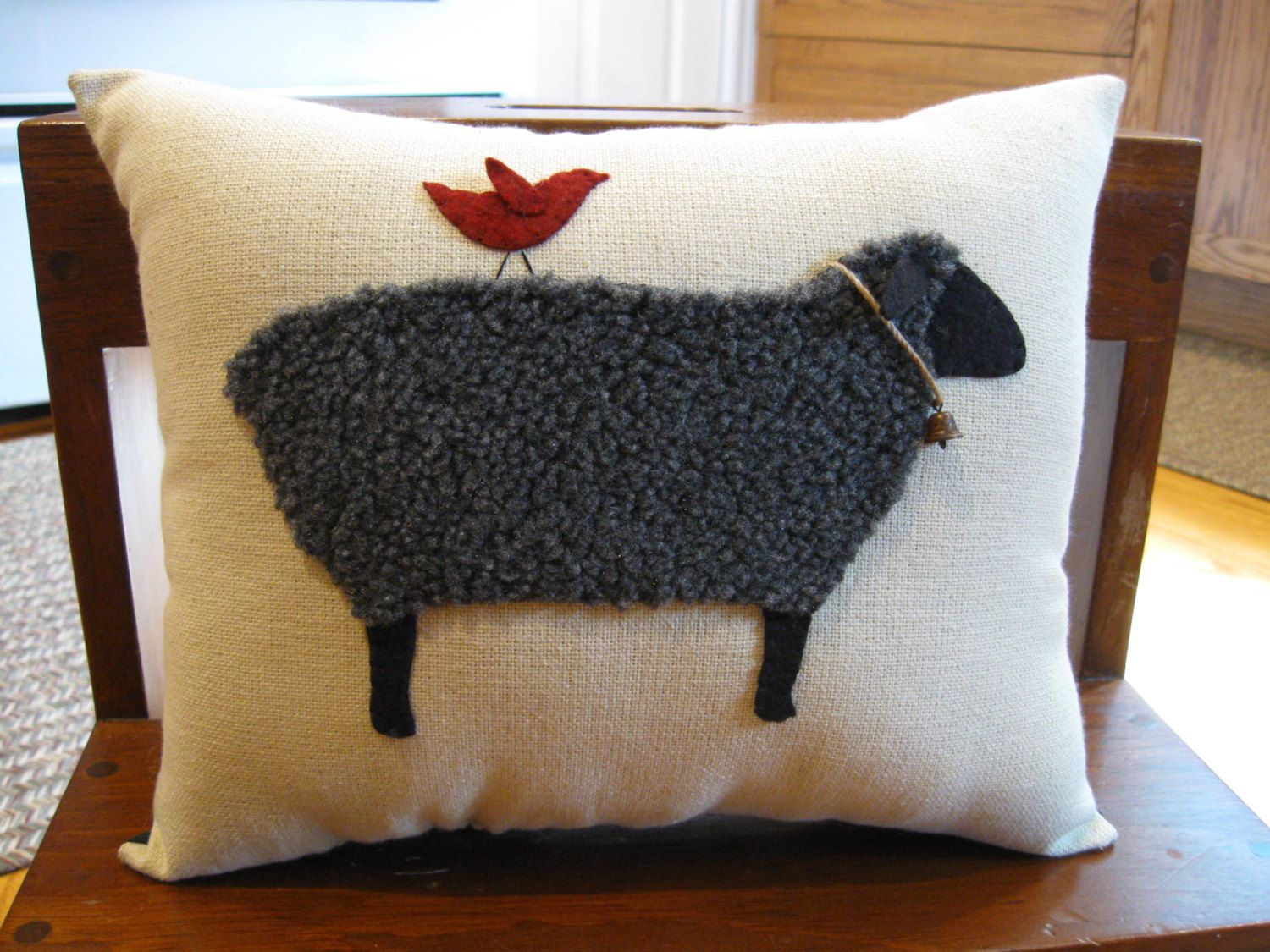 Etsy Cuscini.Primitive Wooly Black Sheep Pillow Cuscini Ricamo E Tessuti