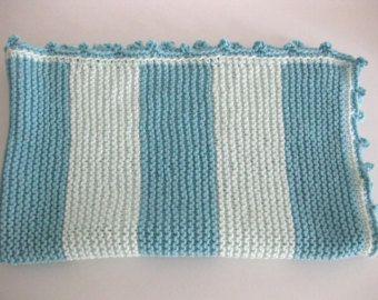 Prêt à expédier à la main bébé en tricot par BeautifulMayblossom