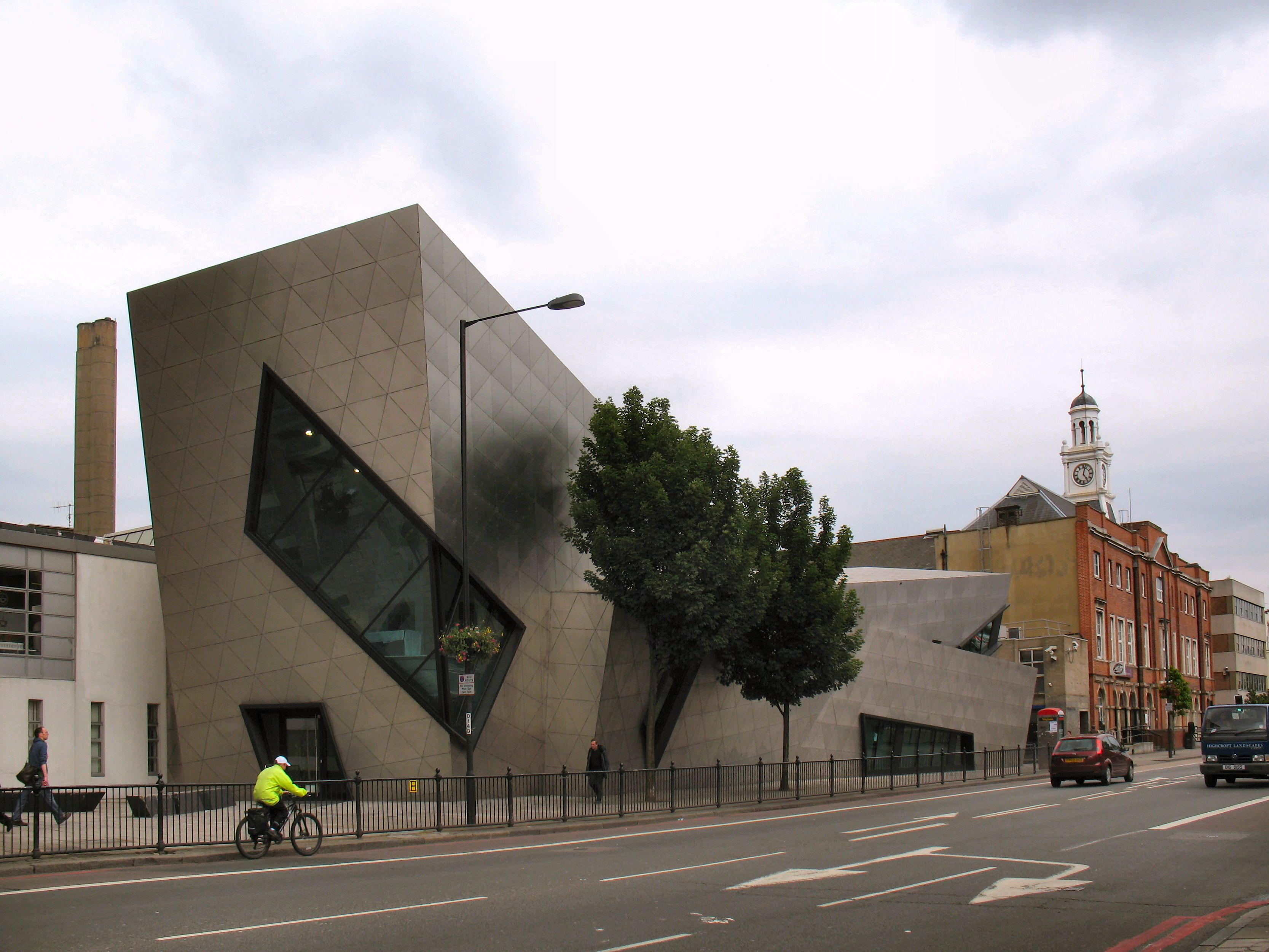 Orion Building Post Graduate Centre Of London Metropolitan University 9June2009 (3334 2502) Daniel Liebeskind