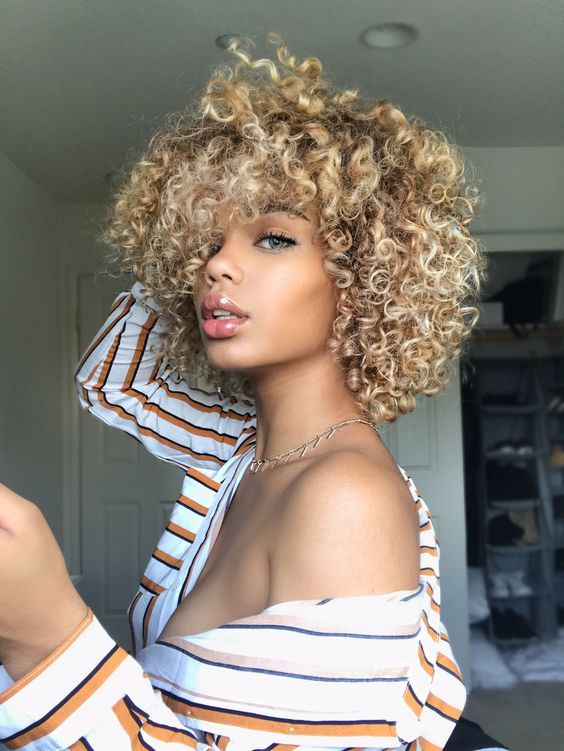 25 Cute Curly Hair For Women Natural Afro hairstyle en