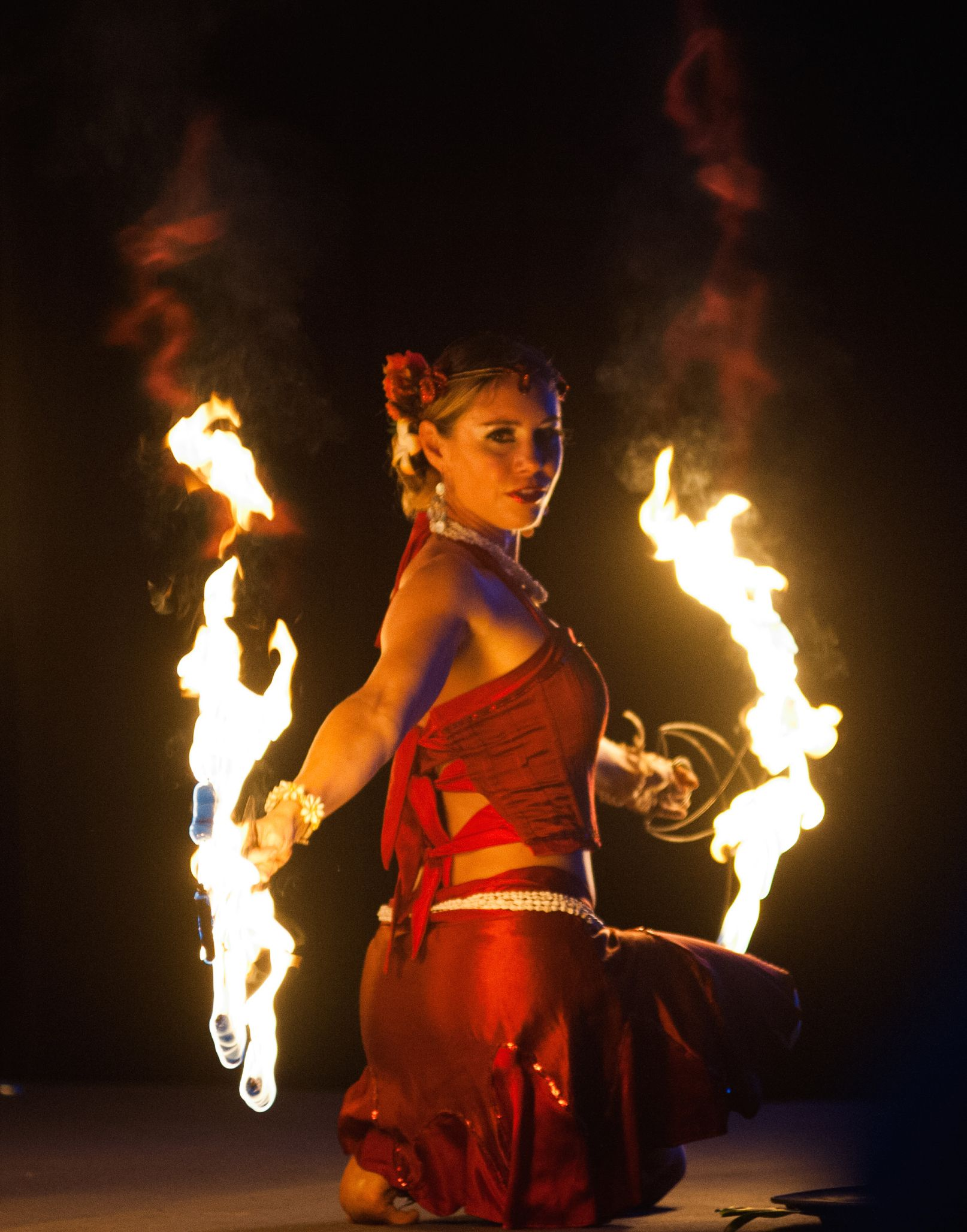 Fire Dancing Photography From Soul Fire Productions In Kauai Hawaii Adding Fire Dancing And More To Kauai Haw Dance Photography Dancer Photography Fire Dancer