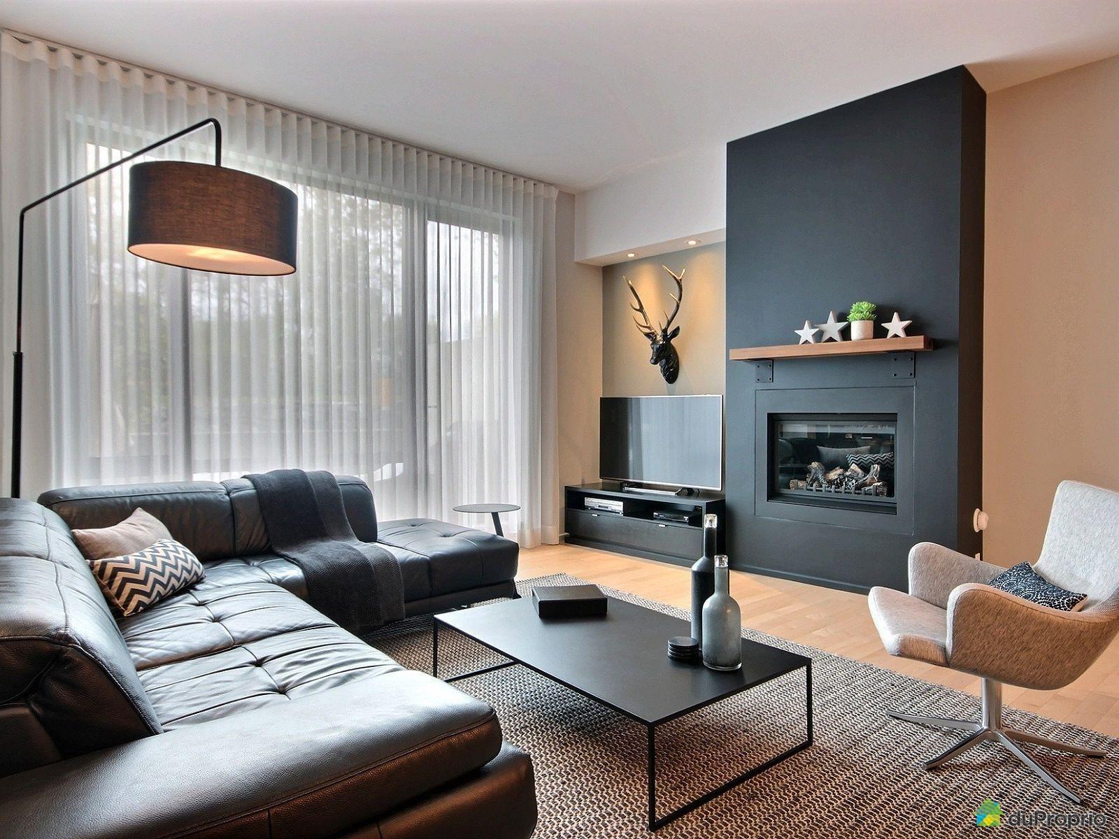 La Chambre Principale Donne Sur Un Petit Salon O Le Couple Peut  # Table Tele Taille Haute Moderne Chambre