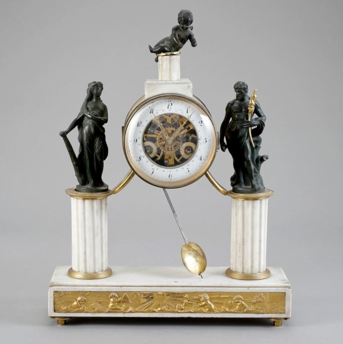 Relogio Frances de finais do sec.18th, Louis XVI, 54cm de altura, Marmore com aplicacoes em ormolu e bronze, 54,700 EGP / 22,600 REAIS / 6,450 EUROS / 7,200 USD https://www.facebook.com/SoulCariocaAntiques https://instagram.com/soulcarioca_antiques