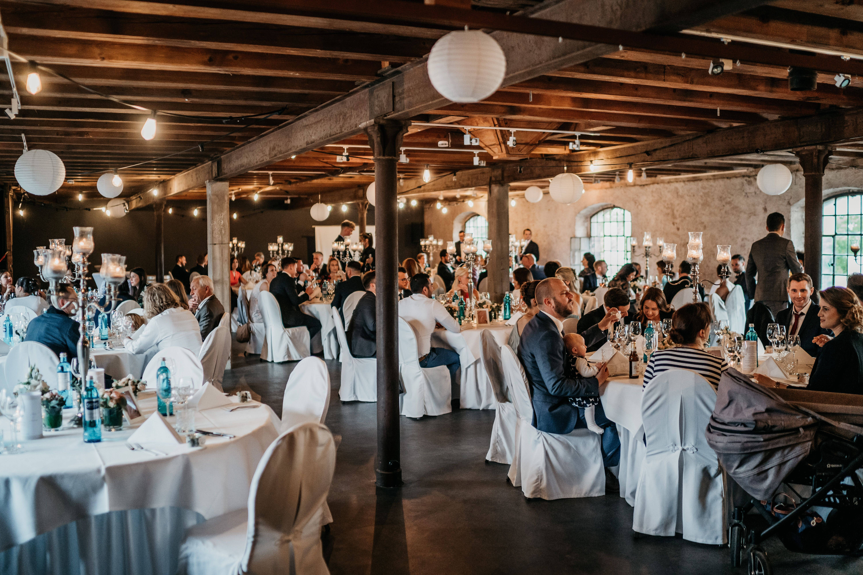 Traumhafte Hochzeit Im Eichenstolz Ladenburg Ladenburg Hochzeitssaison Burg