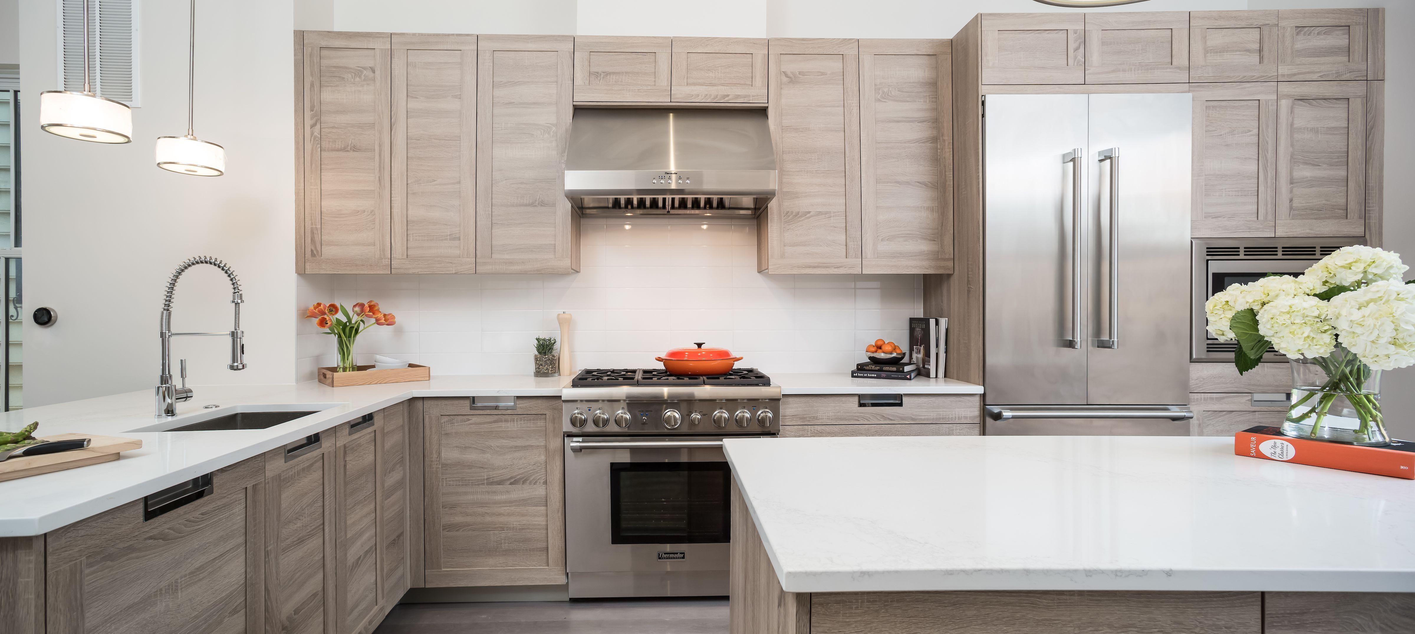 Medium Sized Mid Century Modern Kitchen Idea In Alexandria Virginia With Medium Oak W Mid Century Modern Kitchen Cabinets Kitchen Design Modern Kitchen Design Medium sized kitchen designs