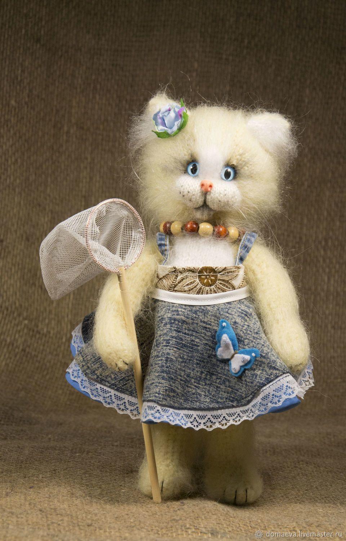 Вязаная кошка Василиса с бабочкой – купить на Ярмарке ...