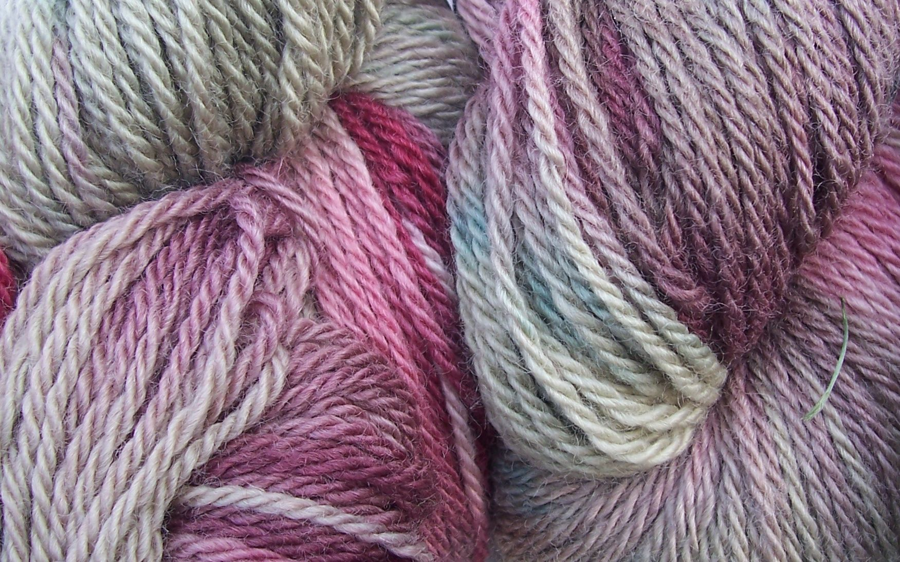 Cutch waste and red lac Blue Face Leicester aran yarn | Natural Dyes ...