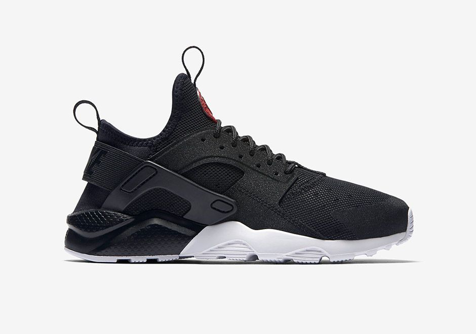 Nike Air Huarache Run Ultra GS Colorway: Black/Black-University Red-White