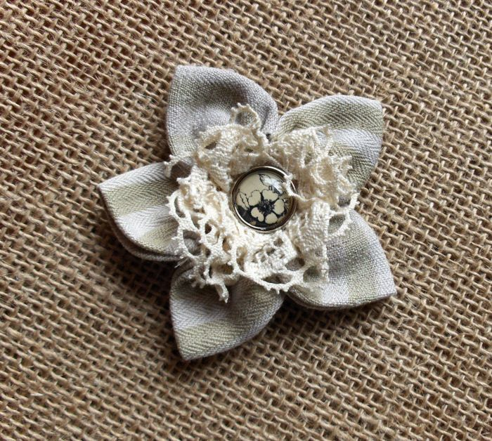 fleur en tissu broderie tissu pinterest fleurs en tissu tissu et fleur. Black Bedroom Furniture Sets. Home Design Ideas