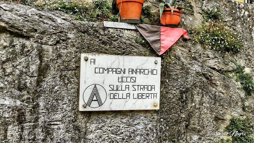 Monumento agli anarchici Colonnata