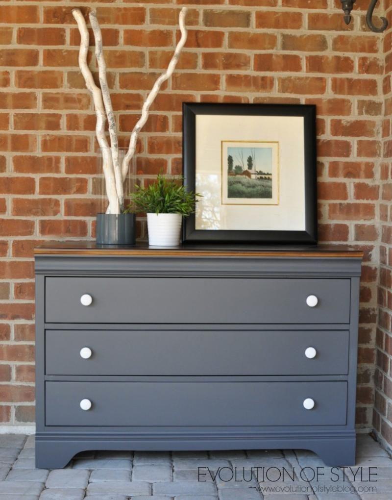 Dresser in queenstown gray milk paint pintando muebles for Pintar muebles laminados