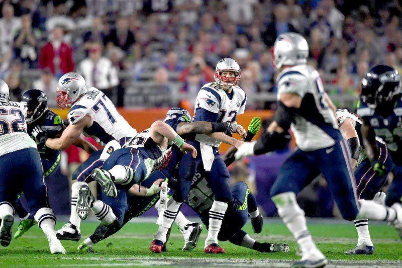The Super Bowl That Took Everyone S Breath Away Super Bowl Patriots Football Helmets