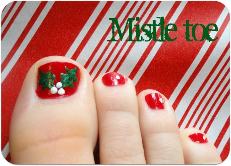 A Little Tipsy Mistle Toe Really Cute Idea For Christmas Toes
