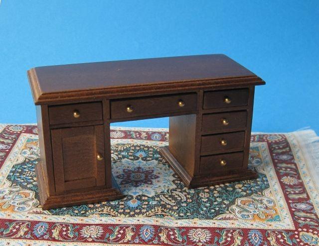 die besten 25 schreibtisch braun ideen auf pinterest b rohocker b roschreibtische f r. Black Bedroom Furniture Sets. Home Design Ideas