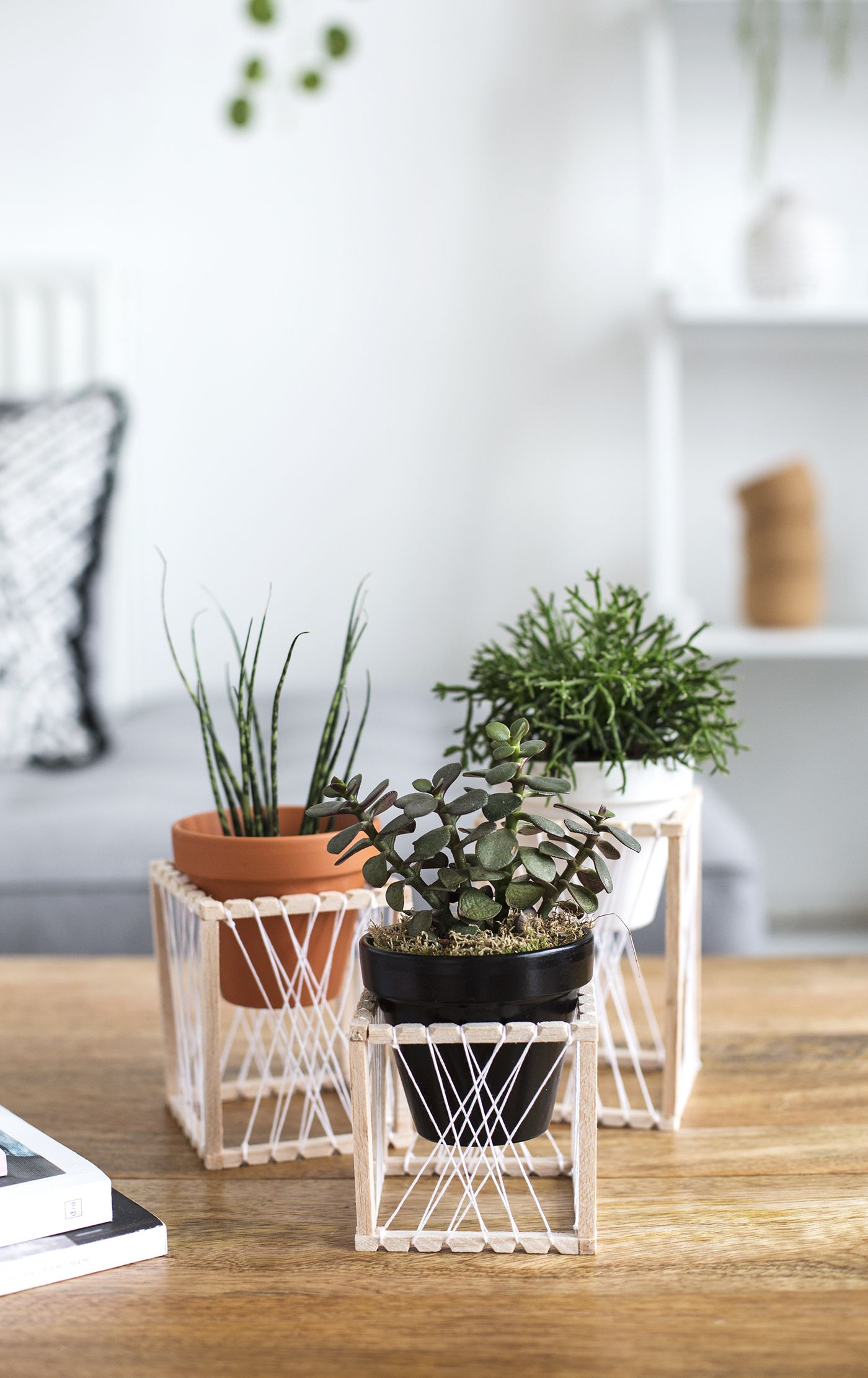 Bonitos Soportes Para Macetas Decorar Con Plantas Pinterest  # Muebles Soporte Para Macetas