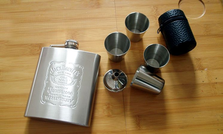 b9ac0553a5f3 7 oz Liquor Stainless Steel Jack Daniels Hip Flask  4 SHOTS FUNNEL GIFT SET  for outdoor  00460026 - US 33.00 - DAYJOYBUY