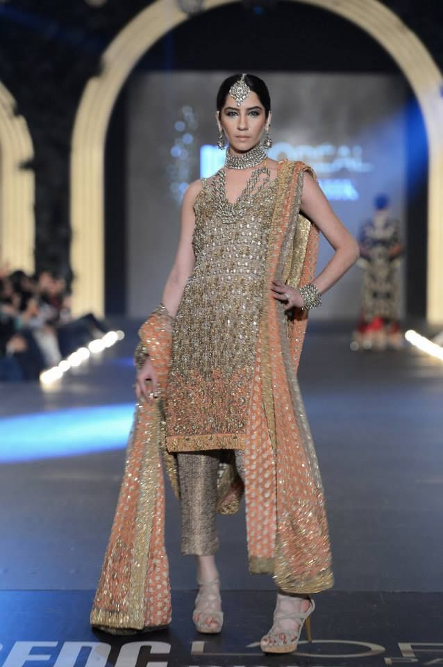 Sana Safinaz New Collection Latest Stylish Bridal Dresses In Loreal Plbw