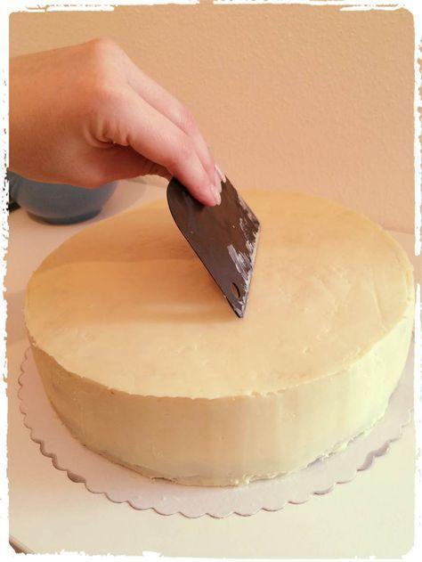 eine torte fondant tauglich machen ganache rezept cake decorating pinterest. Black Bedroom Furniture Sets. Home Design Ideas
