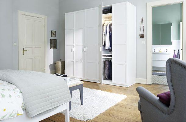 PAX Kleiderschrank im Schlafzimmer mit KOMPLEMENT Inneneinrichtung - schlafzimmer landhausstil ikea